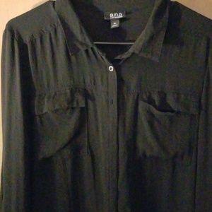 Sz. XL sheer, black high-low blouse